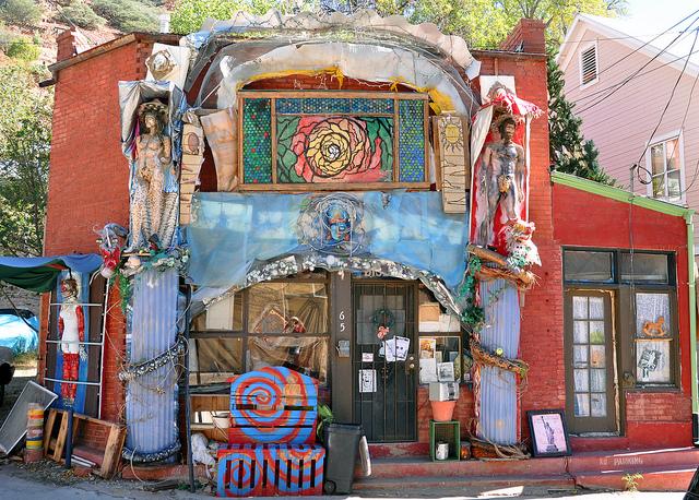 hippie house.jpg