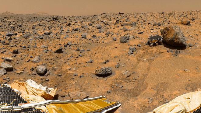 pathfinder on mars.jpg