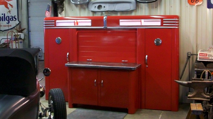 Alemite_Red_garage_cropped.jpg