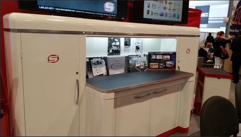 Shure Manufacturing Co. display model