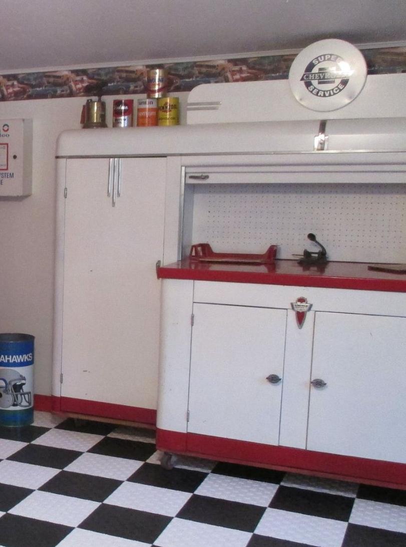 Lincoln_Clean_in_Garage.jpg