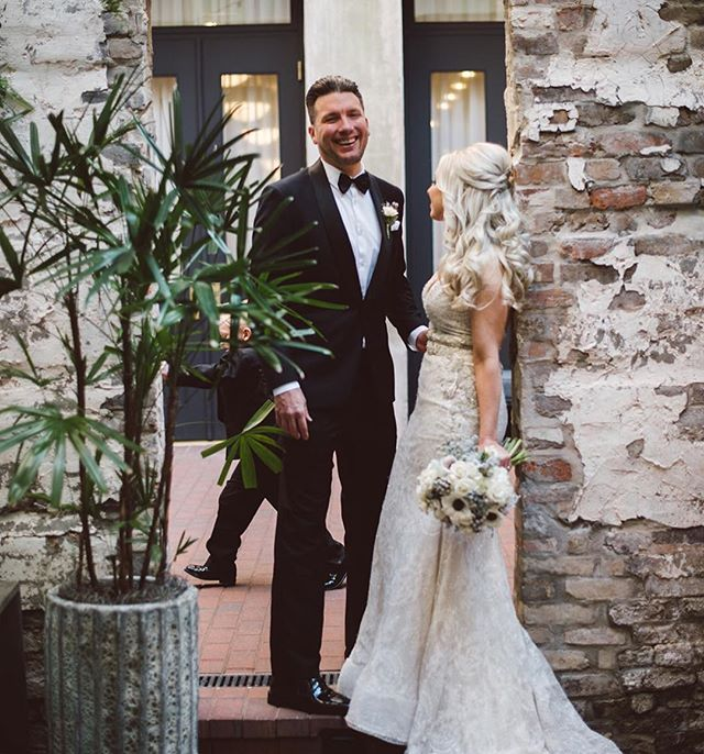 There are so many things to love about this image, but their son running in the background is what steals my heart. . . @fatcatflowers florals. @bridges.to.bayou photoo . . #theelizajanenola #letselope #wednola #elopementwedding #southernwedding #historicneworleans #weddingplannernola #southernbrode #frenchquarterwedding #thatsdarling #mommabride #kidsatweddings #thatsdarling #chasinglight #nolastyle #dappergroom