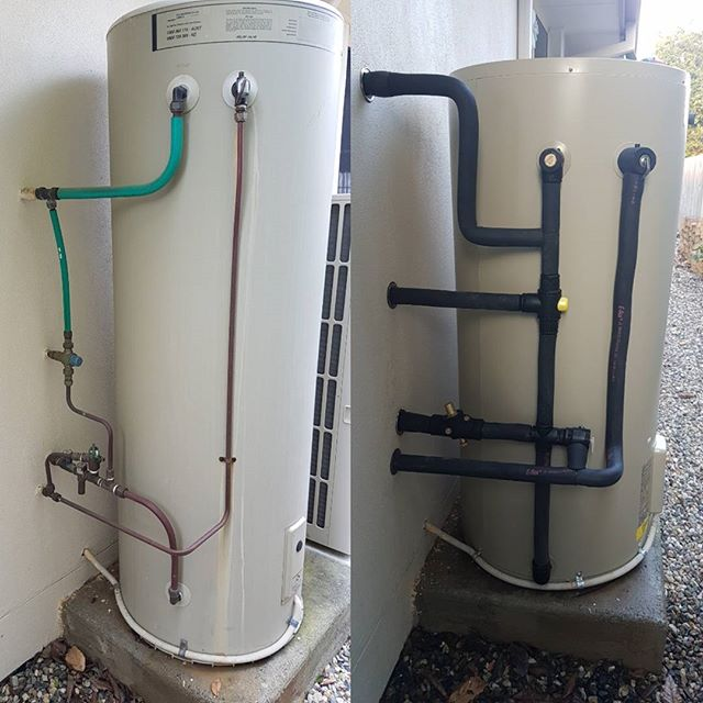 A nice new Aquamax to replace this old hot water unit that sprung a leak yesterday afternoon 👌💧