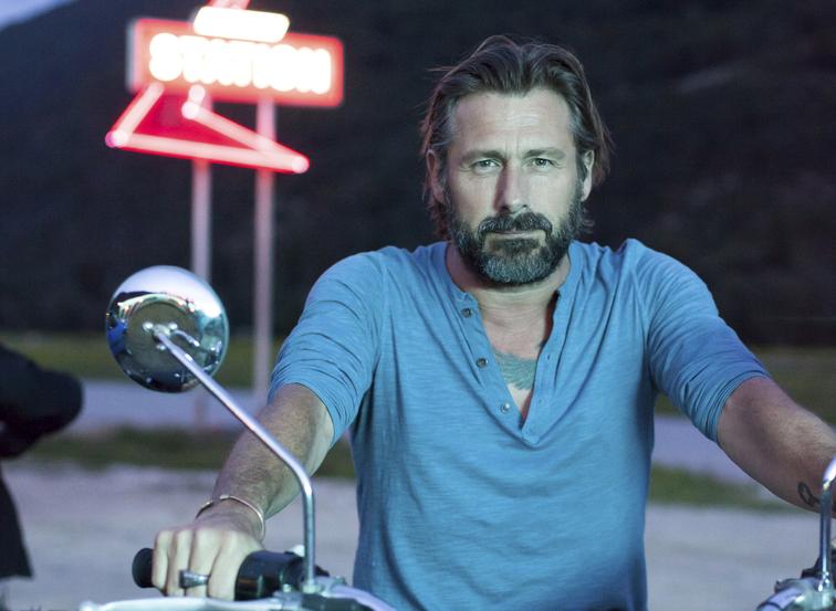 Easy Rider: Bernard Yerles (Joris) in SBS On Demand's  Station Horizon