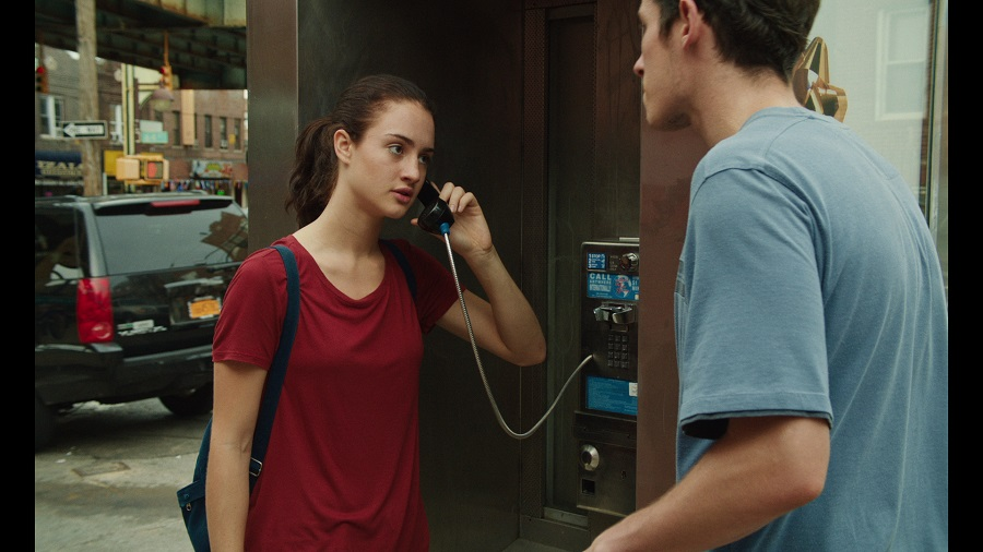 Hanging on the Telephone: Grace Van Patten (Ellie) and Callum Turner (Danny) in Netflix's  Tramps