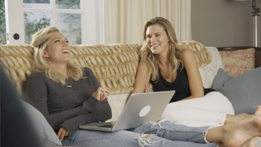 Sister Act: Erin and Sara Foster playing themselves in Stan's  Barely Famous