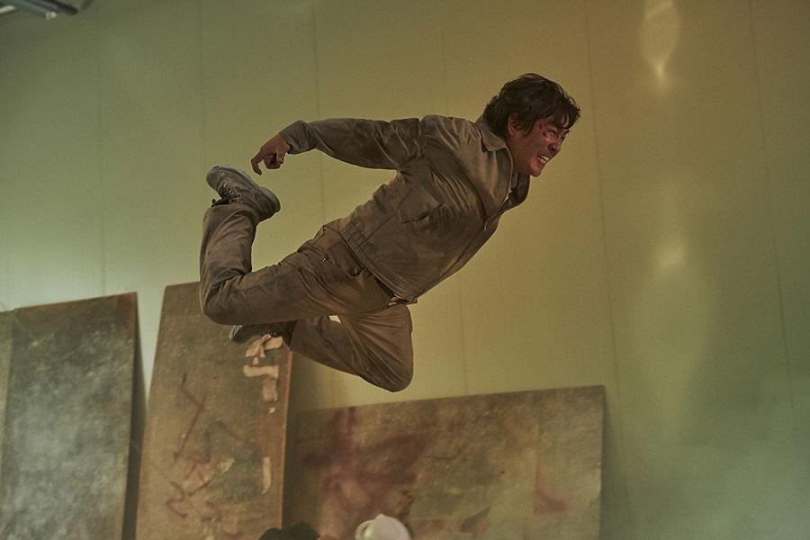 Flight of the Navigator: Seong-ryong Ryu (Seok-heon) in Netflix's  Psychokinesis