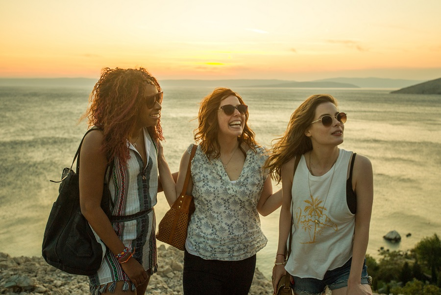 The Sun Also Rises: Phoebe Robinson (Leah), Vanessa Bayer (Nikki) and Gillian Jacobs (Harper) in  Ibiza