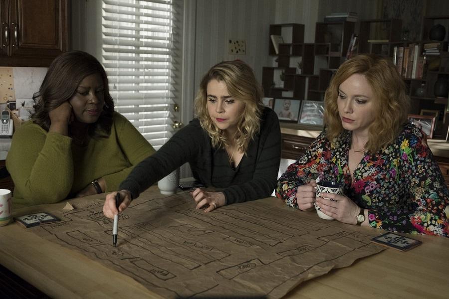 Kitchen Confidential: Retta (Ruby), Mae Whitman (Annie) and Christina Hendricks (Beth) in  Good Girls