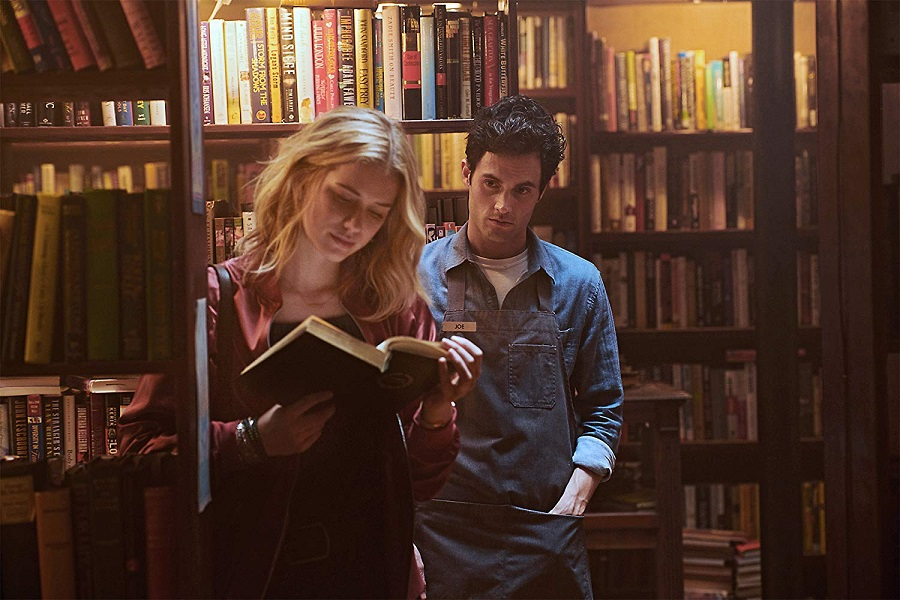 Page Turner: Elizabeth Lail (Beck) and Penn Badgley (Joe) in  You