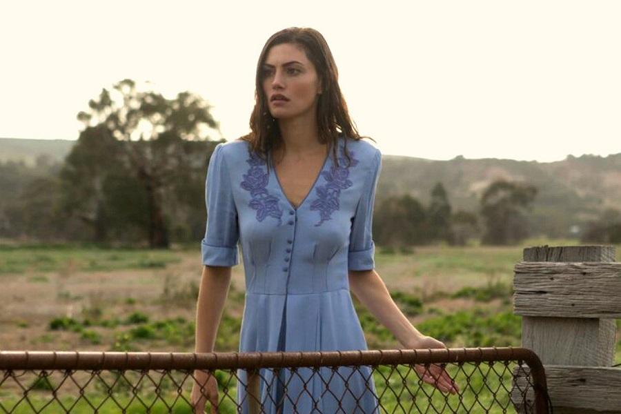 Step Back in Time: Phoebe Tonkin (Gwen) in  Bloom