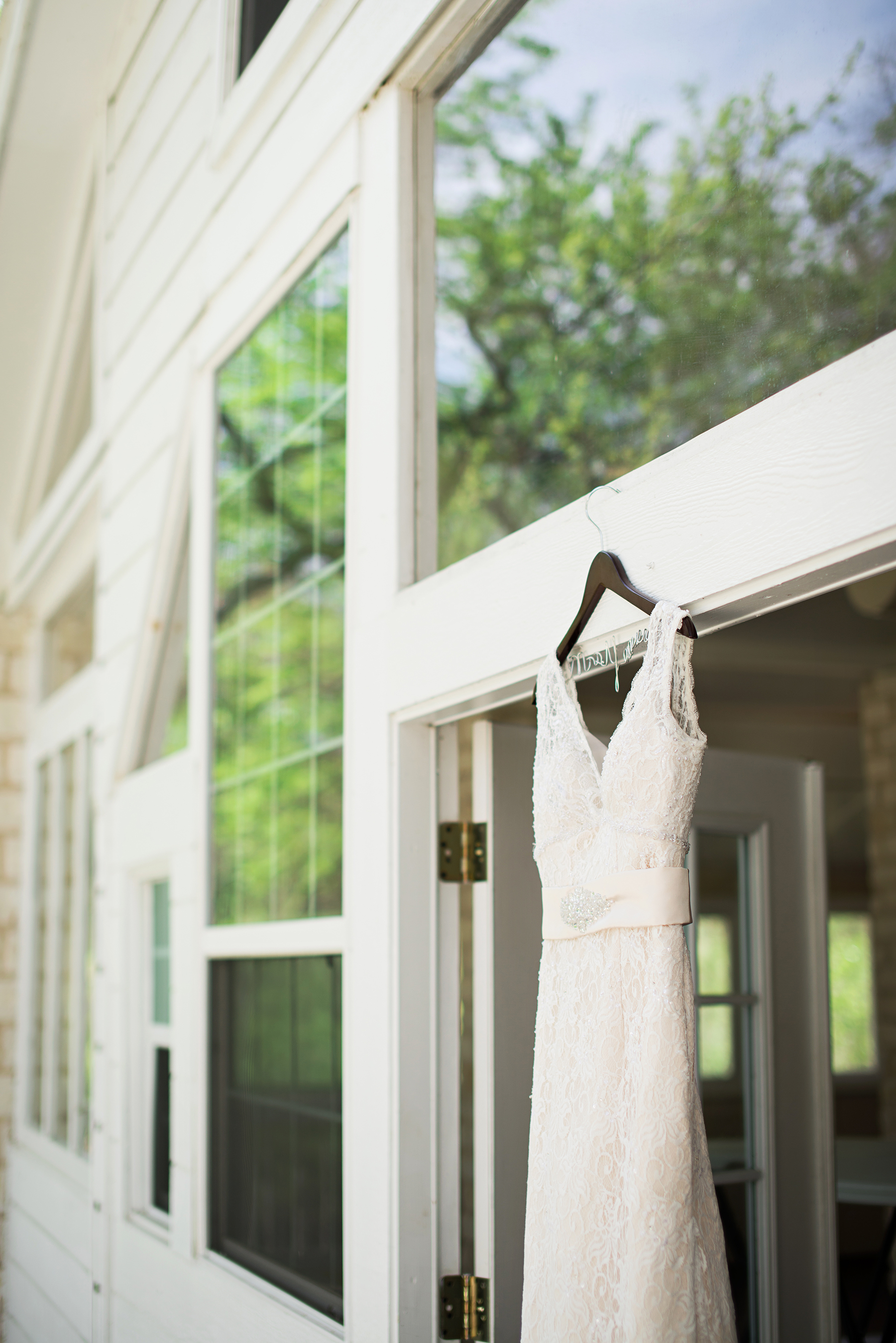 austin wedding dress photographer