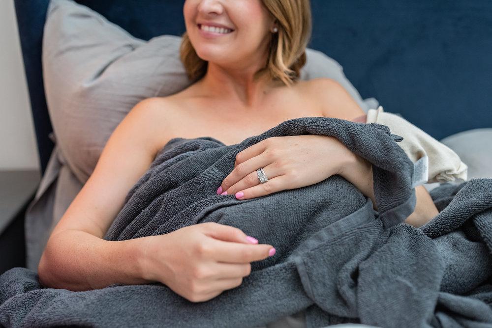breastfeeding-newborn-photography-austin