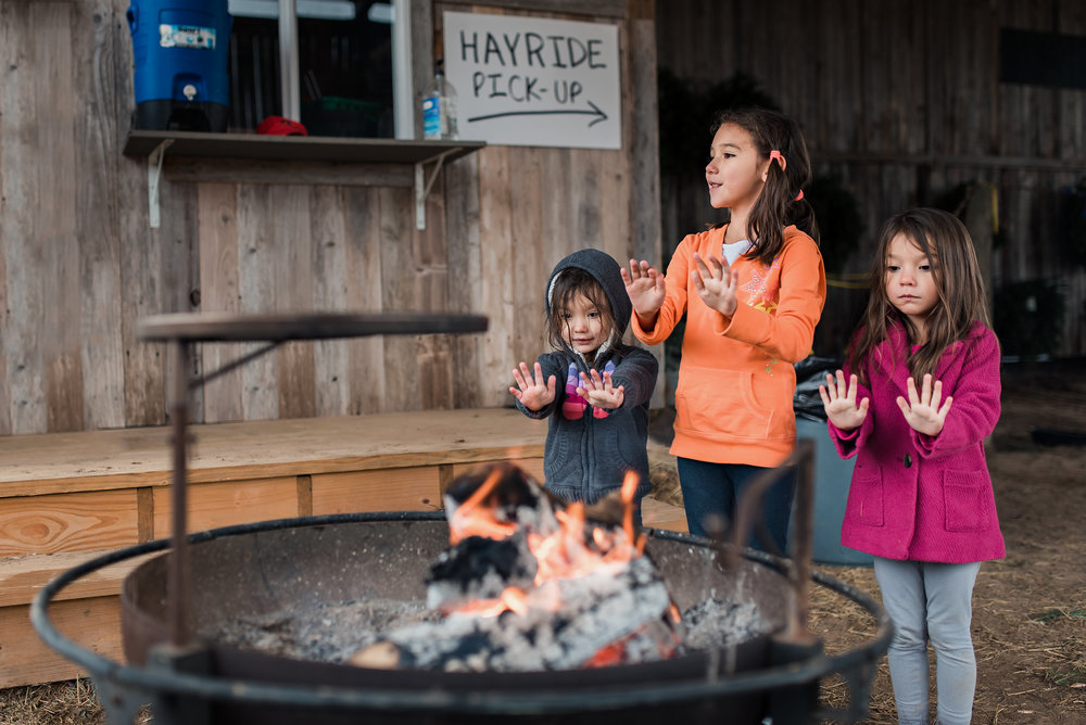 kids-fireside-christmas-time-web.jpg