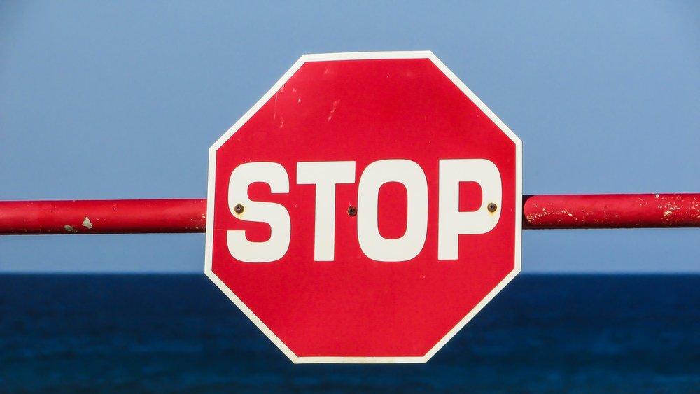 stop-1374937_1280.jpg