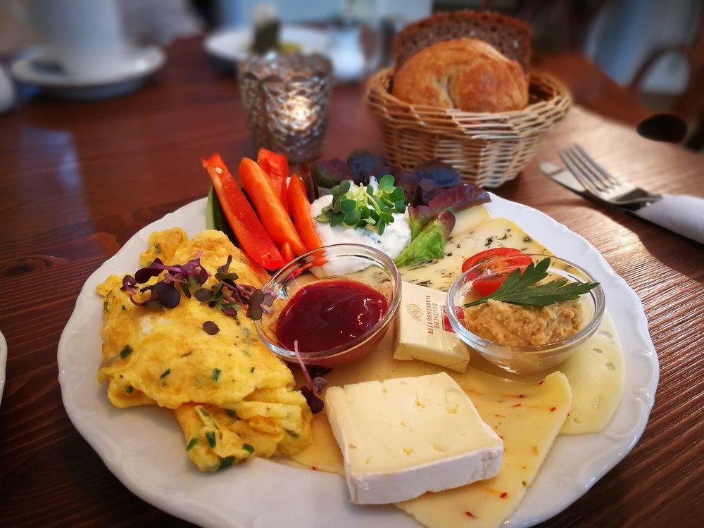 have-breakfast-3420133_1280.jpg