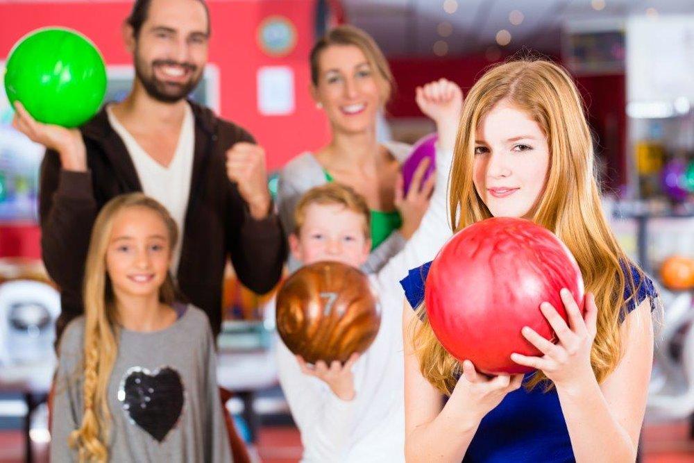 family bowling.jpg