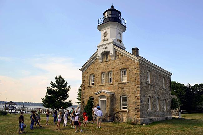 sheffield-island-lighthouse.jpg