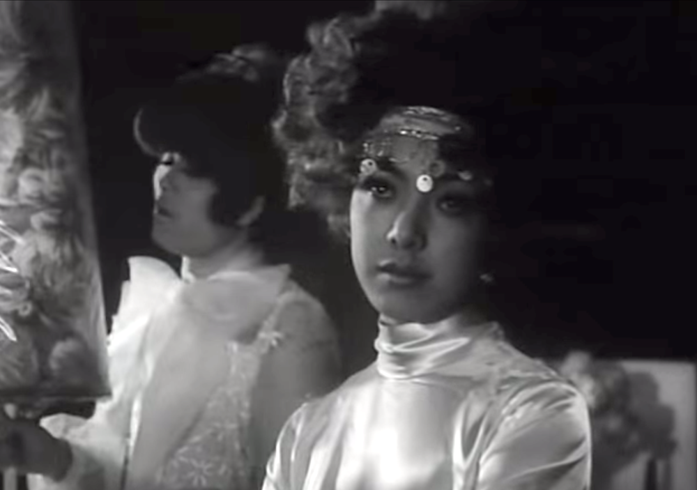 reflektmagazine_funeral parade of roses 11.png