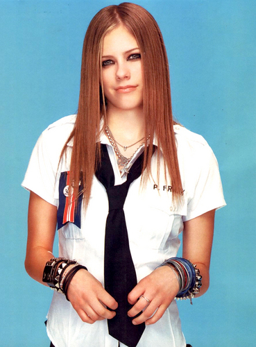 -Young-Princess-avril-lavigne-13727645-369-500.jpg