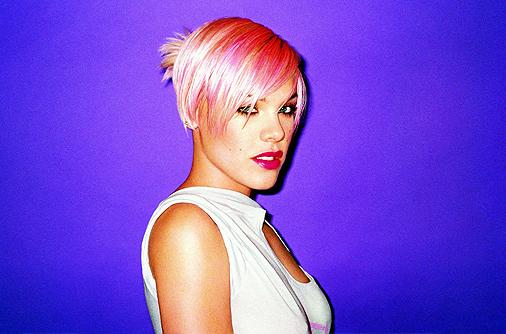 012386-us-singer-pink-6310299-jpg.jpg