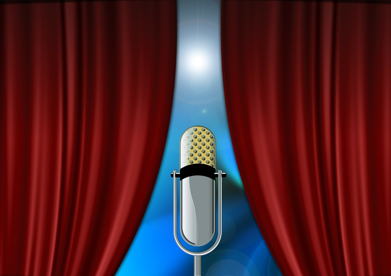 Curtain and Mic