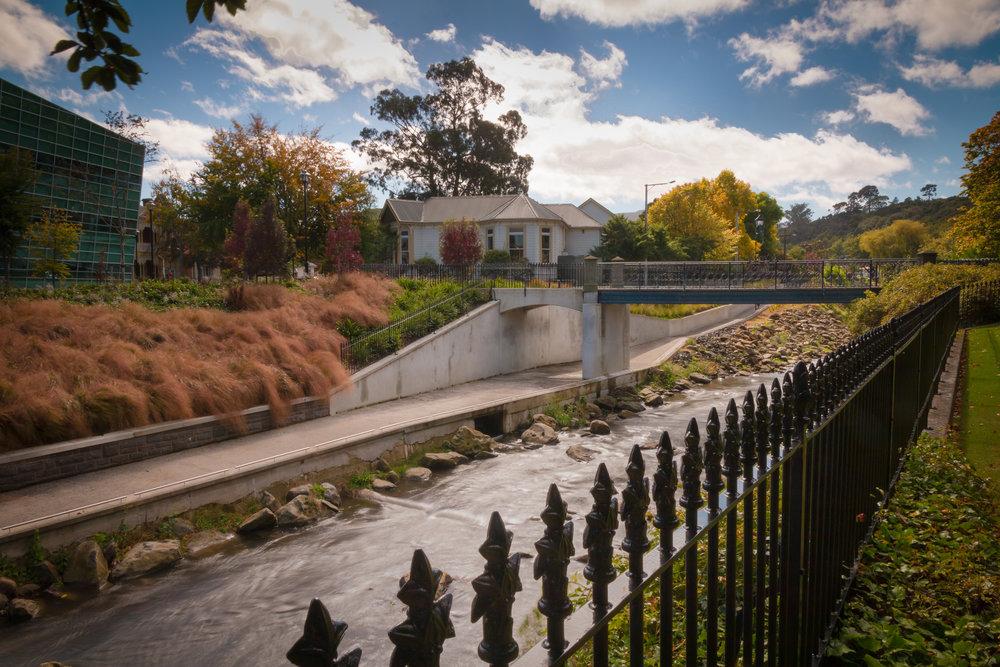 Uni bridge Dunedin.jpg