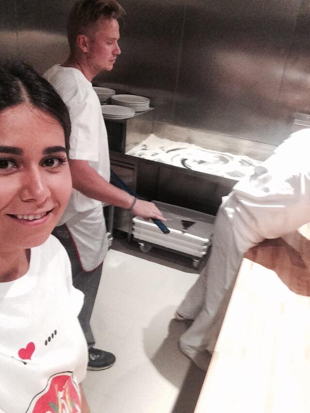 Niels Drenth maakt pizza