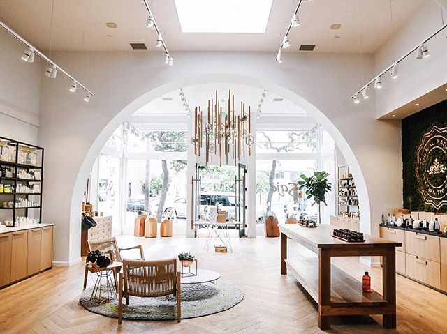 @Sajewellness is a dream come true. The one stop shop for all of your aromatherapy needs. Swing by and visit them on Fillmore and don't forget to check your @fawnapp to see what's new! #shopsf #sanfrancisco #sf #california #shoplocal #aromatherapy #herbalife #skincare
