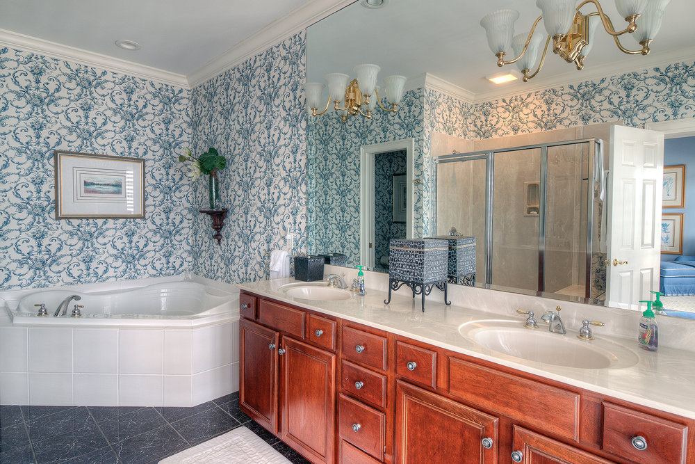 1271 Norris - blue master bath MLS.jpg