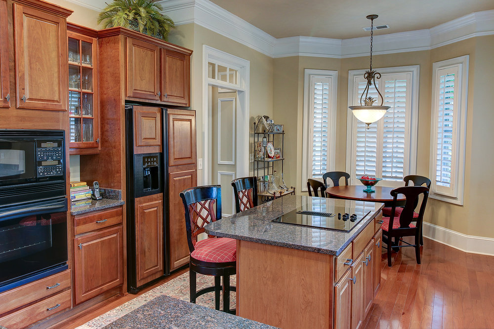 67 Harbor - kitchen gd MLS.jpg