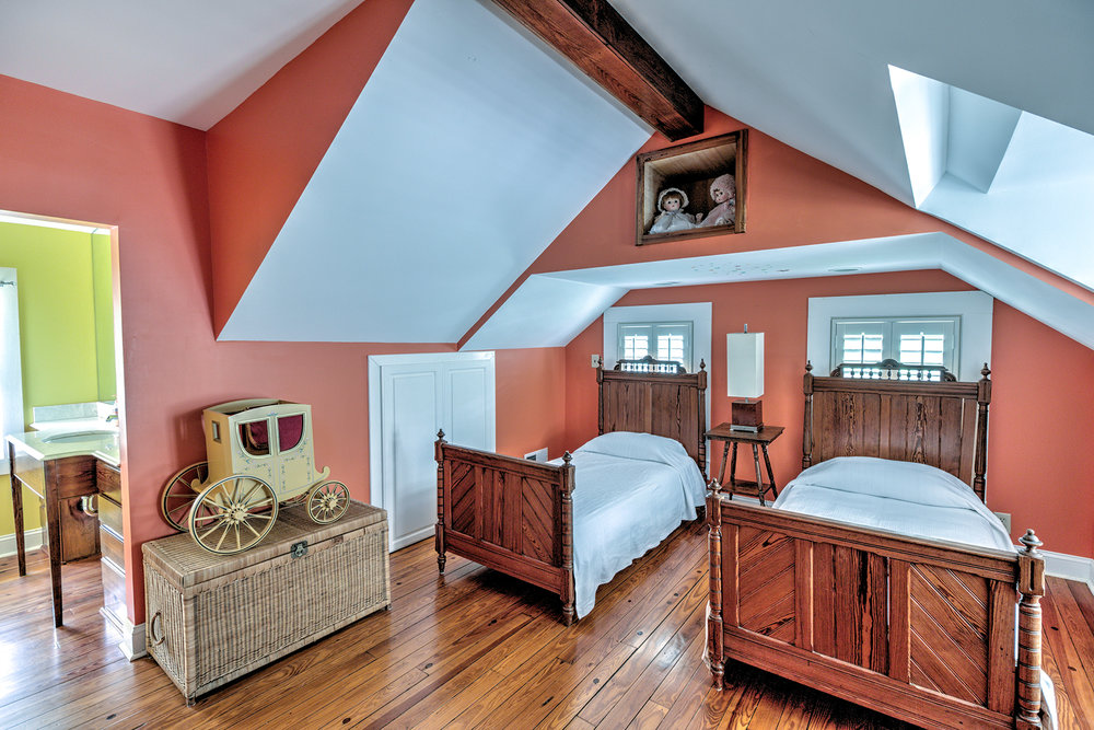 512 Prince - attic 1 MLS.jpg