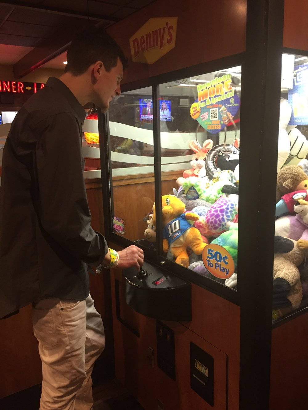 Stevenson determined to win a stuffed animal at Denny's in Austin, TX. #BasselResistTour