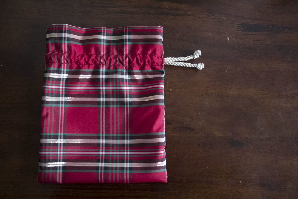 Drawstring Christmas gift bags — The Stitch Between