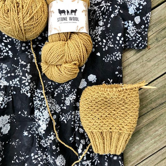 Won't this mustard color be fabulous on top of my #Naniiro #hinterlanddress? I'm casting on for the #nurturedsweater by @dreareneeknits in #stonewoolcormo. This squishy soft yarn is perfect for this pattern because it's even squishier in the slip stitch pattern! Yarn and fabric from @ewefibers. . . . . . . . #newknittingproject #caston #croppedsweater #memadeeveryday #imademyclothes #handmadewardrobe #knittedpullover #handknitsweater #knittersofinstagram #woollove