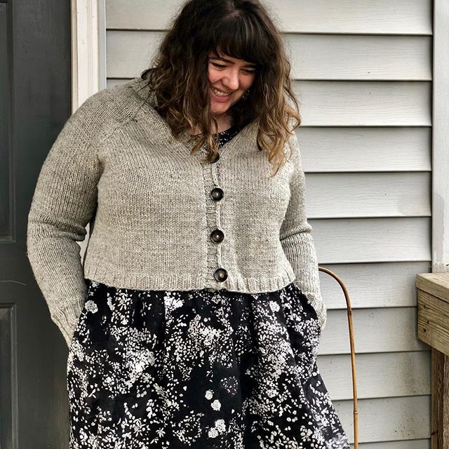 I have been wearing my #carbethcardigan practically every day as it gets colder, and I've learned that it looks good over practically everything. Here I'm wearing it over my button-band-less #hinterlanddress. Fabric and yarn from @ewefibers: the sweater is #stonewoolcorriedale, the dress is #naniiro. . . . . . . . #memadeeveryday #handmadewardrobe #knittingandsewing #handknitcardigan #knittersofinstagram #sewistsofinstagram #imademyclothes #sweaterweather