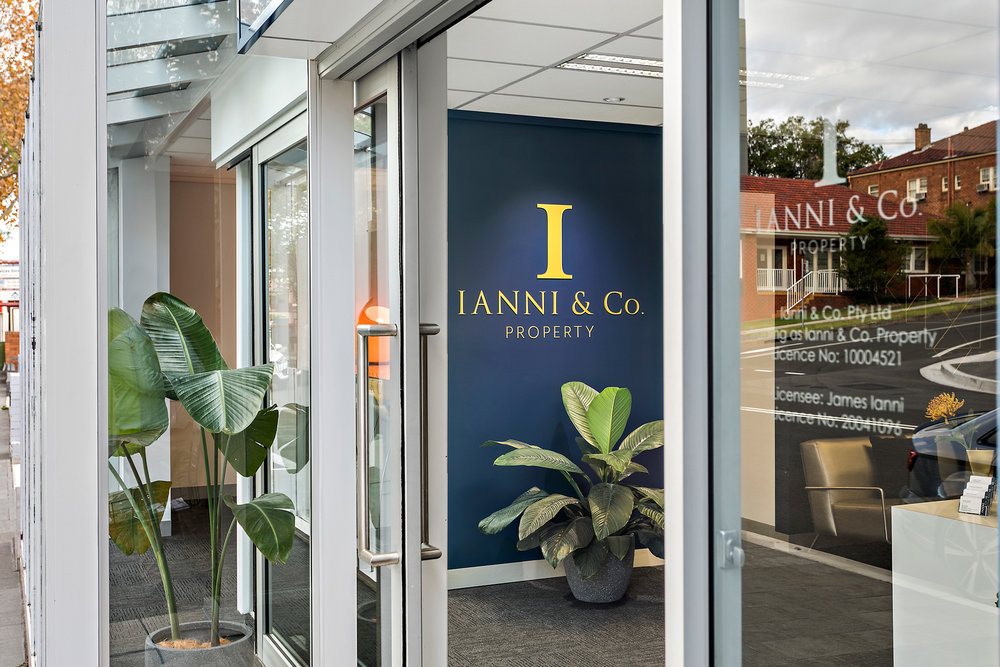 visual-energy-signs-wollongong-ianni-and-co-property-illawarra-real-estate-sign-branding-graphic-design-signage-signs-1.jpg