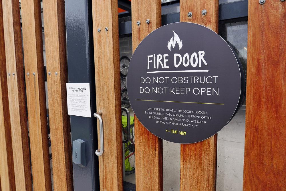 UOW i Accelerate - Statutory Fire Door Sign