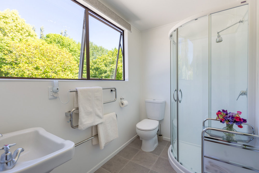 Tui-Cottage-Tasman-Bathroom.jpg