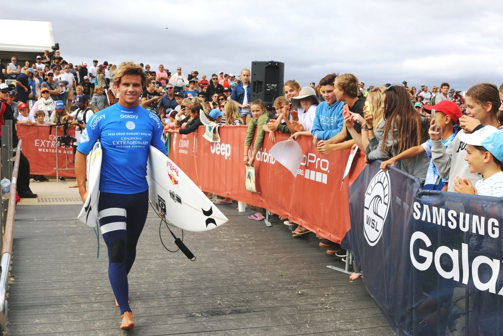 Australian Julian Wilson heads out to secure his spot in the 2016 Drug Aware Margaret River Pro final