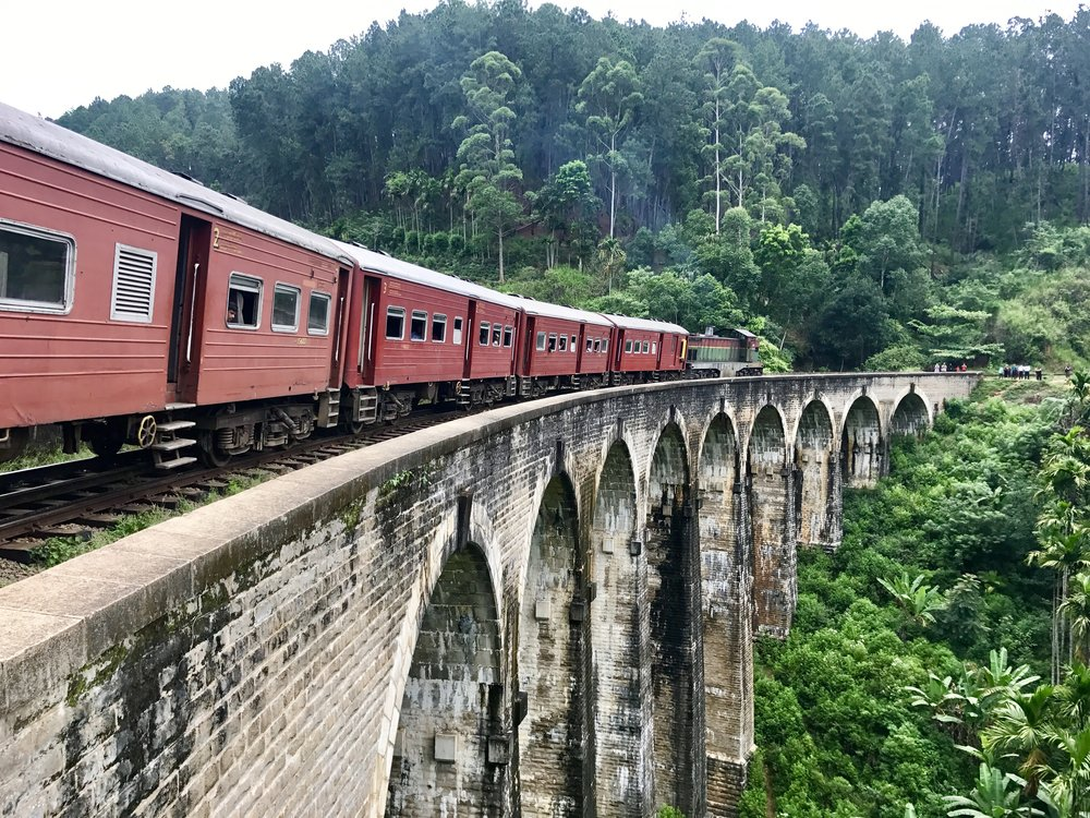 Train over the Nine Archers Bridge
