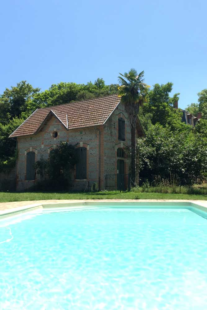 Chateau JAC swimming pool
