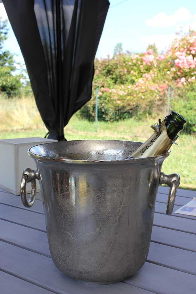 Drink champagne by the pool at Chateau JAC