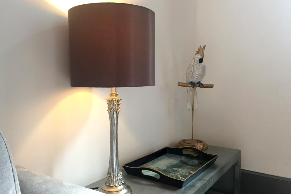 Cheteau JAC side lamp