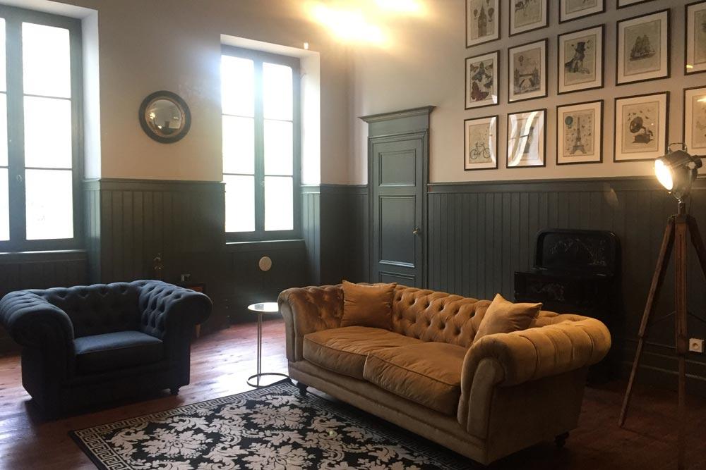 Chateau JAC salon with gold sofa