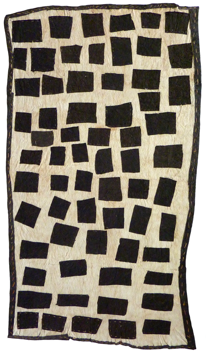 Brenda Kesi (Ariré)    Taliobamë'e nioge   Ancestral design of the mud  119 x 66cm  Appliqued mud-dyed nioge (barkcloth), 2016