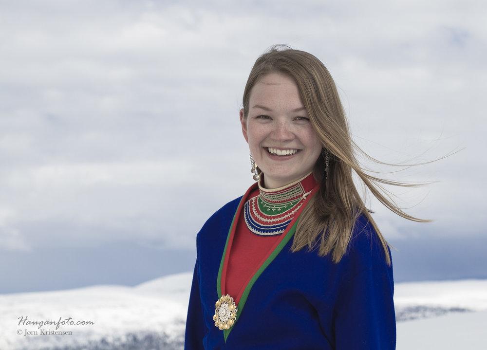 ILIOS Loungeca.kl. 16.30:Marja Helena Fjellheim Mortensson og Vokal Nord -