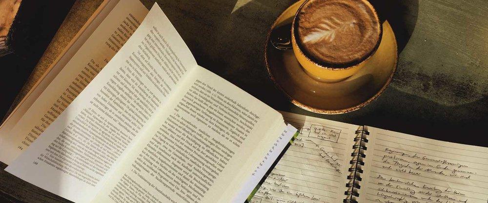 Kaffee & Kapital … ist ein Blog von Martin Oetting, der versucht ein Verständnis dafür zu entwickeln, warum in Deutschland und der Welt im Jahr 2016 ein so großes Unbehagen über die politischen und insbesondere sozialpolitischen Zustände entstanden ist, und was wir tun können, um dem entgegen zu wirken.