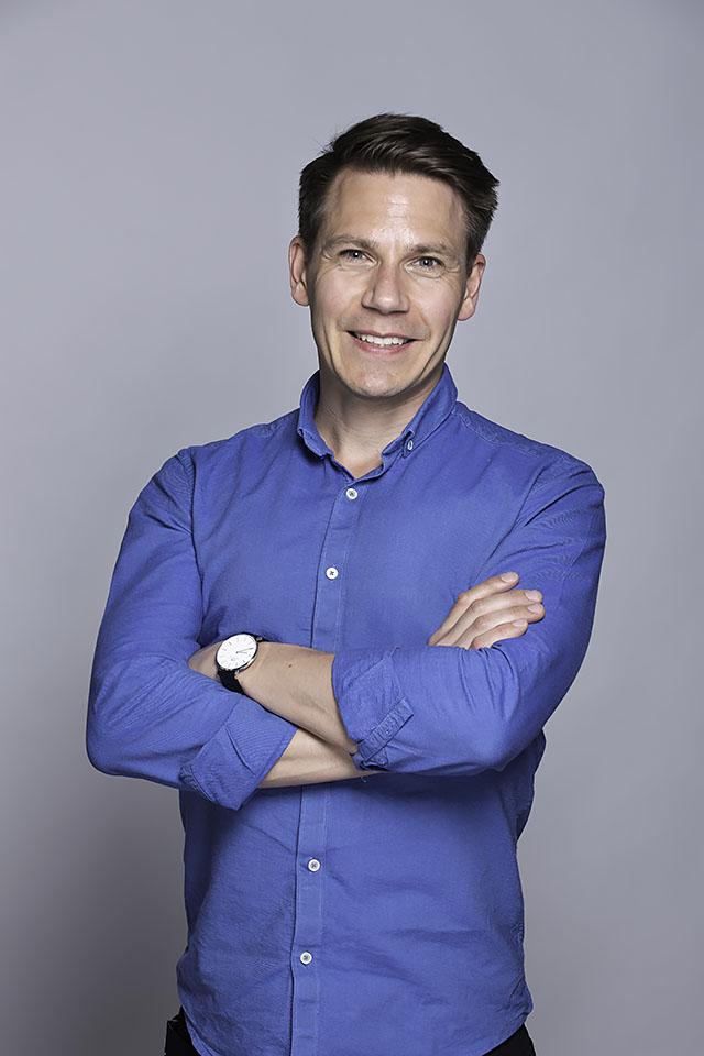 <strong>Simon Fredriksson</strong><br>Industrial Designer<br>simon@above.se<br>+46 706 850 042