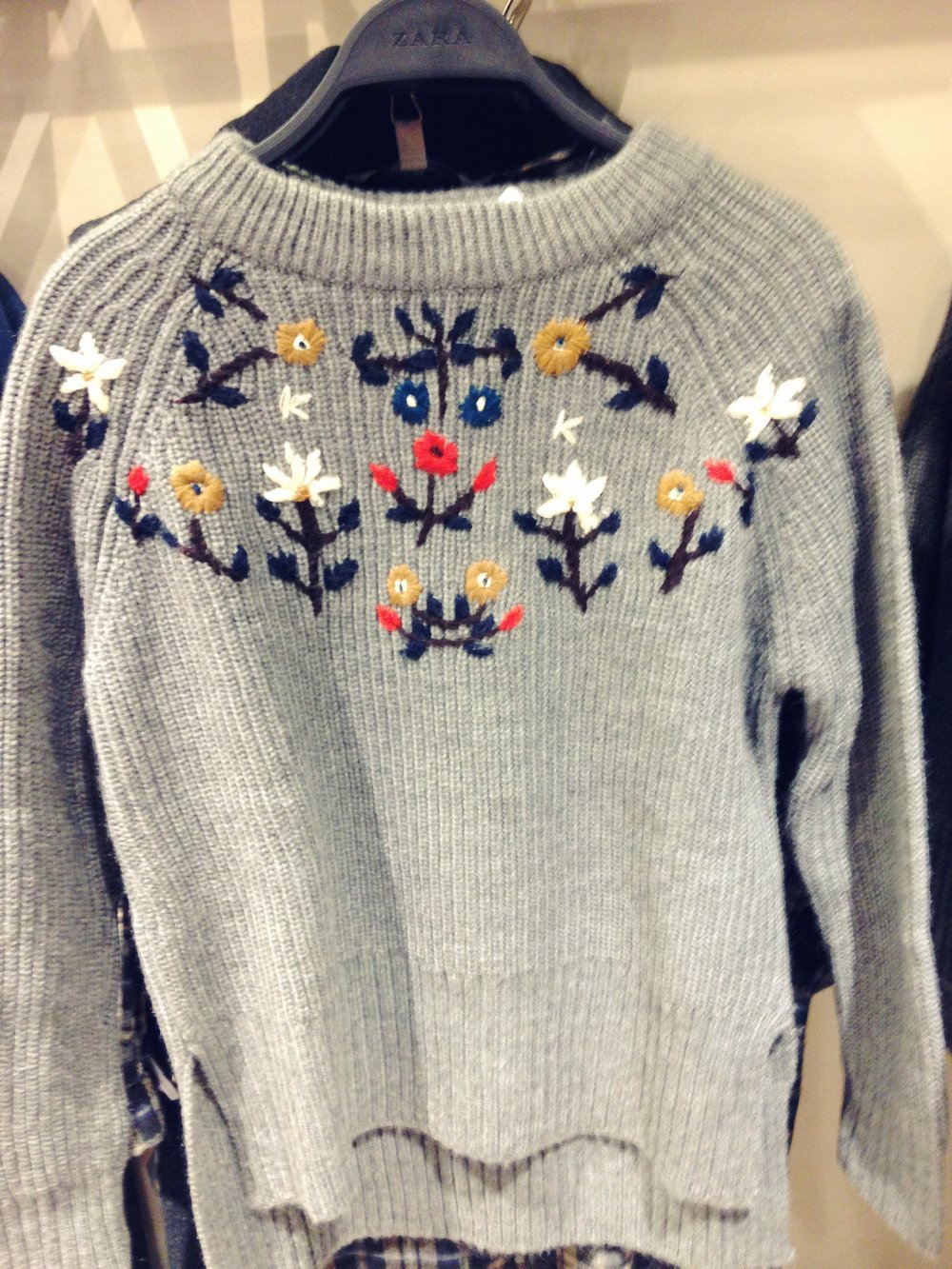Zara knit. Big ribbed grey jumper with lovely embroidered flower detail. €49.99